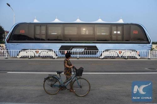 中国のバスがちょっと斬新の画像(2枚目)