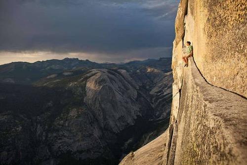 高くて怖い!!高所での怖すぎる記念写真の数々!!の画像(25枚目)