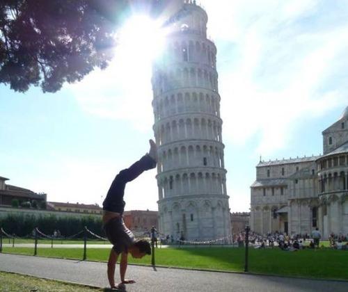 ピサの斜塔の記念撮影の画像(3枚目)
