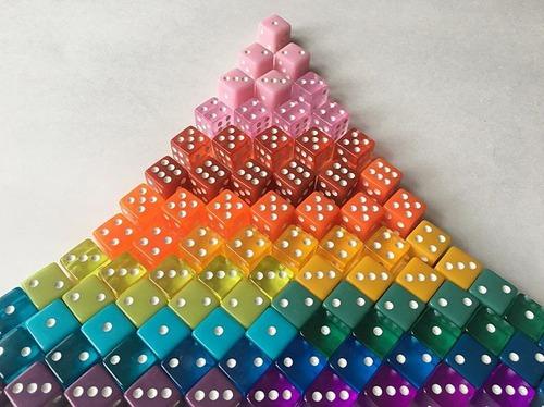 幾何学模様の美しいオブジェ01