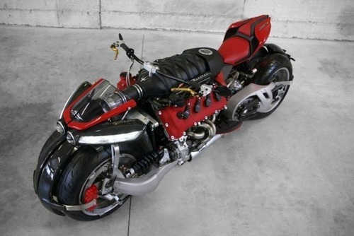バイク?エンジン?4700ccのエンジン搭載の化け物のようなバイク!!の画像(9枚目)