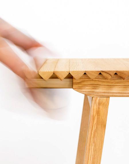 長さ調節自在な木製の机04