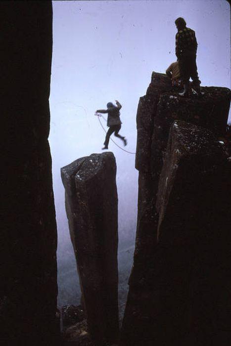 高くて怖い!!高所での怖すぎる記念写真の数々!!の画像(4枚目)