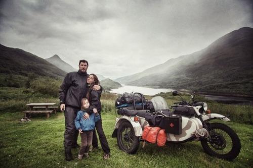 【画像】1台のバイクで家族3人が41カ国を4ヶ月で制覇!!の画像(1枚目)