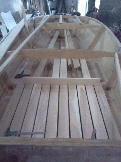 木製のボートの画像(9枚目)