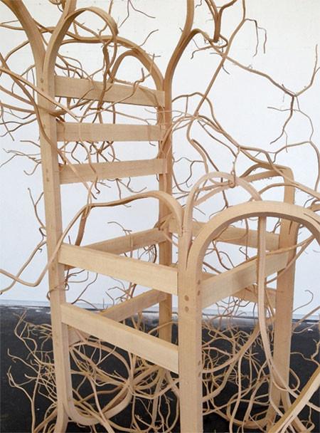 木の枝や根っこのような椅子03