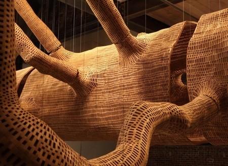 巨木の彫刻03
