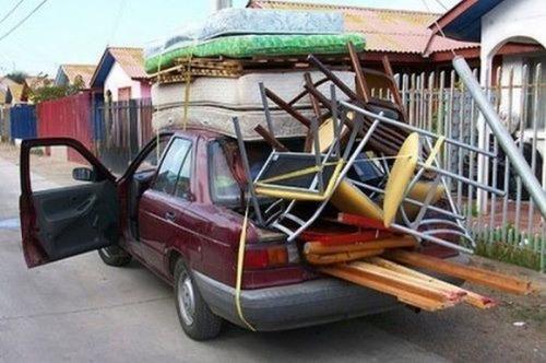 運搬している自動車の画像(2枚目)