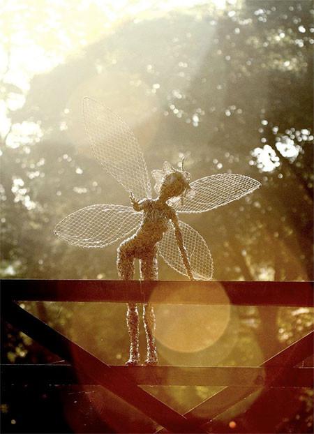【画像】生きてるみたい!針金で再現された妖精が凄い!!の画像(13枚目)