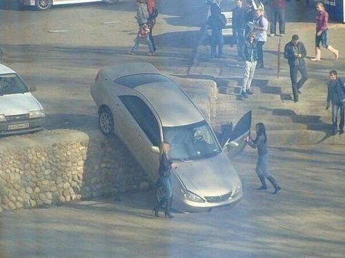どうしてそうなった?何だか凄まじい事になっている自動車事故の画像の数々!の画像(10枚目)