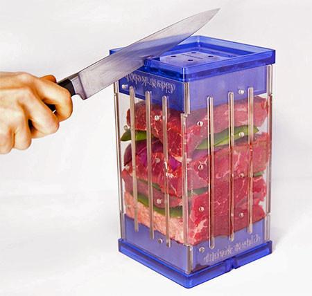 バーベキューの串焼き肉の画像(3枚目)