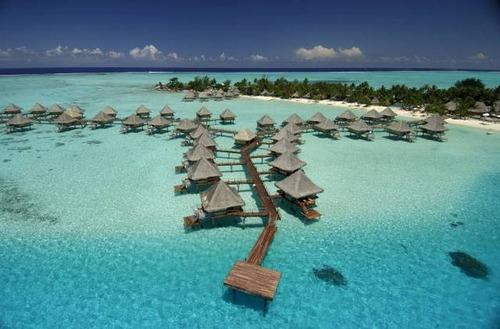 【画像】地上最後の楽園と呼ばれている「ボラボラ島」の絶景!の画像(13枚目)