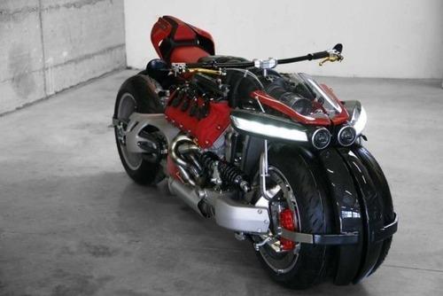 バイク?エンジン?4700ccのエンジン搭載の化け物のようなバイク!!の画像(11枚目)