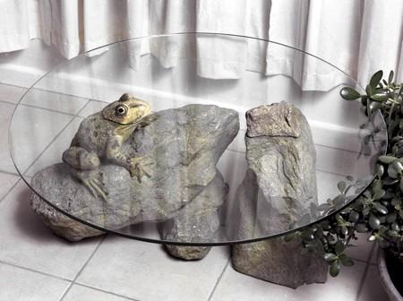 水辺に浮かぶ生物達のテーブル03