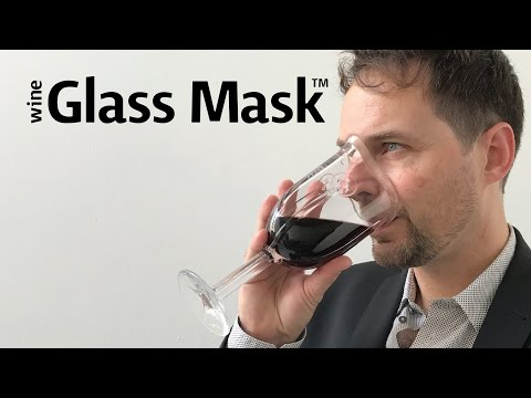 マスク型のワイングラスの画像(1枚目)