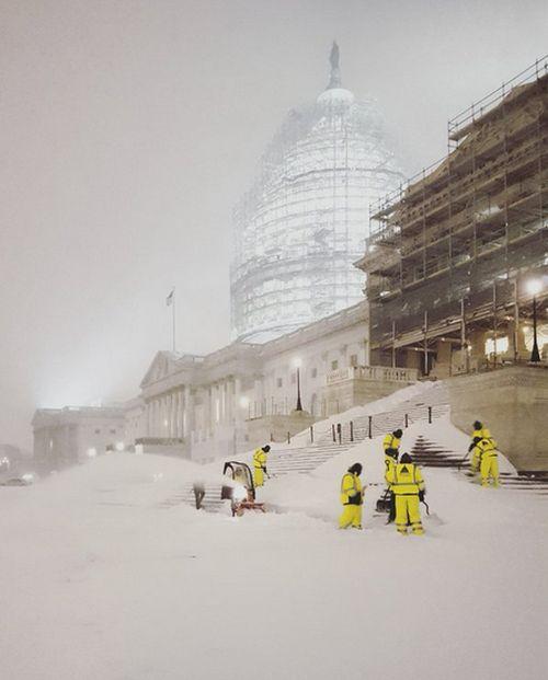 【画像】大雪のニューヨークで日常生活が大変な事になっている様子!の画像(14枚目)