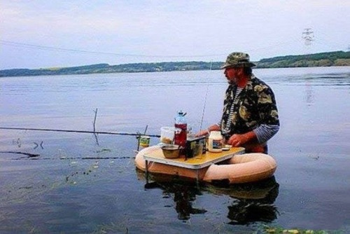 カオスなところで釣りをしている人達の画像(44枚目)