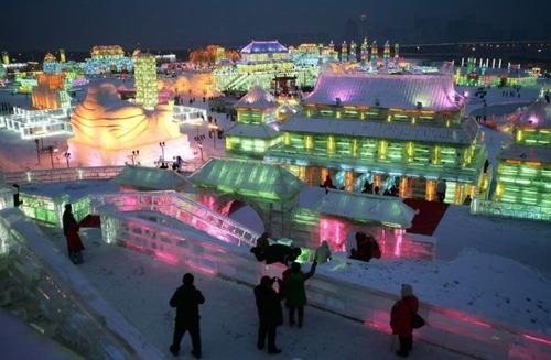 中国の雪祭りの画像(1枚目)