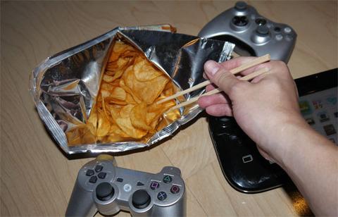 「こいつRPGのゲームやり慣れてるな」って奴のプレイ → ポテチを箸で食べるワロタwww