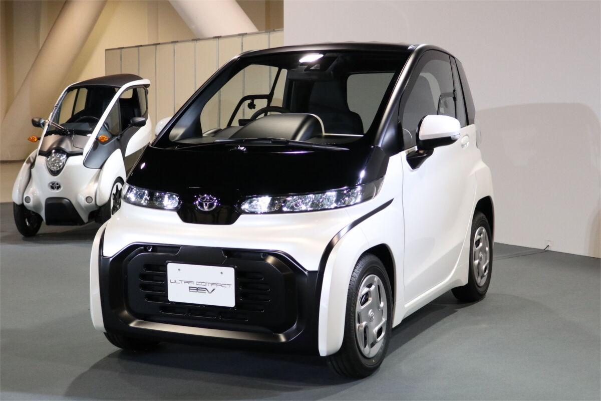トヨタが満を持して発売する最新EVがこちら・・・ゴルフカートか? スタイルも時価総額もテスラに完敗だわw