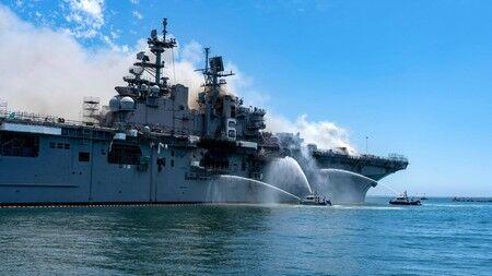 火災の強襲揚陸艦「ボノム・リシャール」修理断念し退役、米海軍に痛手! 出火原因は闇に葬られるのか・・・
