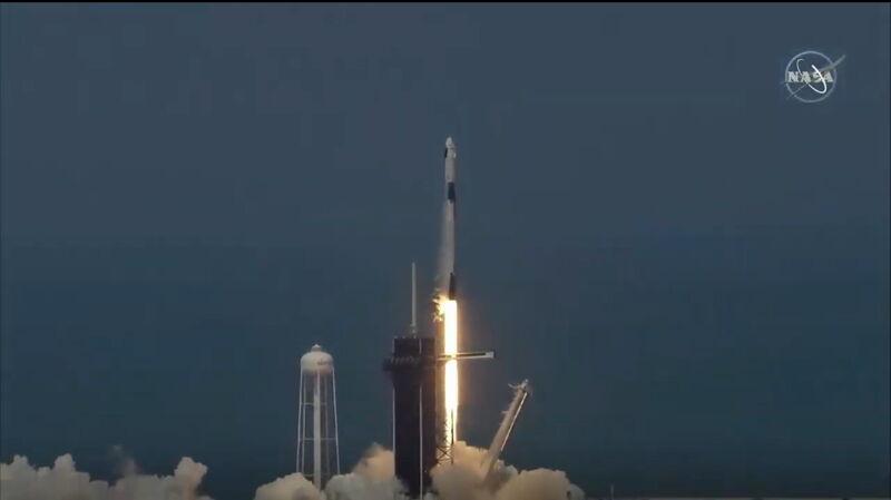 【動画】「クルードラゴン」アメリカ 9年ぶりの有人宇宙船を打ち上げ! リアル実況をどうぞ