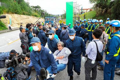 """沖縄の米海兵隊員1人が新型コロナ感染 米国旅行から戻った後に """"キチガイ""""との接触なし"""