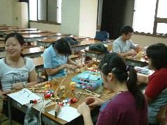 分子模型講座:高校生たち。若い!