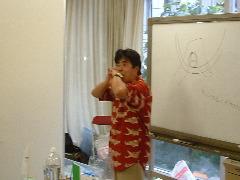 モダシさんの〈お楽しみ科学実験ライブ〉指笛演奏