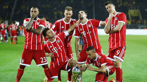 bayern-munich-celebrate-super-cup-2017_pz9vwytk0lvj13efgxgoaapbk