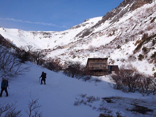雪山と温泉