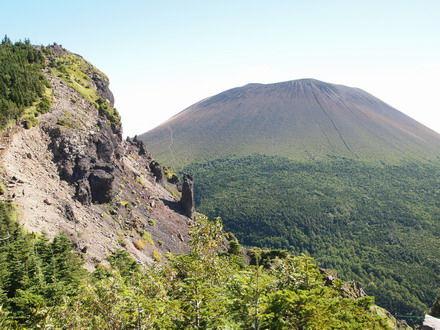 浅間山の黒斑~外輪を一人登山!