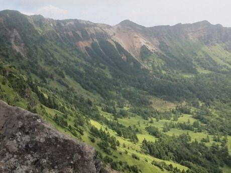 浅間山は初秋の風