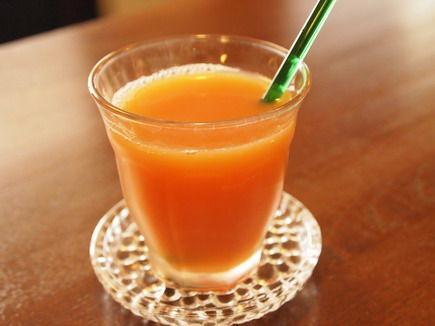 ハイビスカスHibiscus sabdariffaの美味しい飲み物