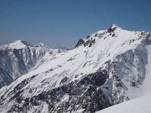 白い谷川岳