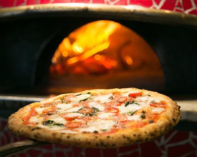 【破産】「500円ピザ」で急成長したが…「NAPOLI」運営の飲食ベンチャー破産