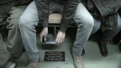 【なるほど】大御所声優・中田譲治が<あえて電車で女性の隣に座る>理由が大反響!「一般的に女性は肩幅も狭く脚を広げて座らない」
