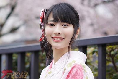 ガッキー似の中国人美女ロン・モンロウ 『週プレ』初表紙で水着披露「恥ずかしかったです(笑)」