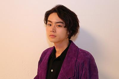 菅田将暉、女性ファンによる迷惑行為、抱きついたり顔を触ったり…弁護士に相談「逆ならセクハラなのに女性だとOKなの?」