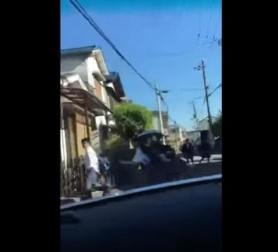【動画あり】学生通学路に猛スピードで突っ込むDQN車、車内から撮影した動画をネット投稿…大阪府警が捜査へ