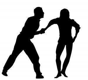 【朗報】女子生徒、護身術訓練で反撃学ぶ