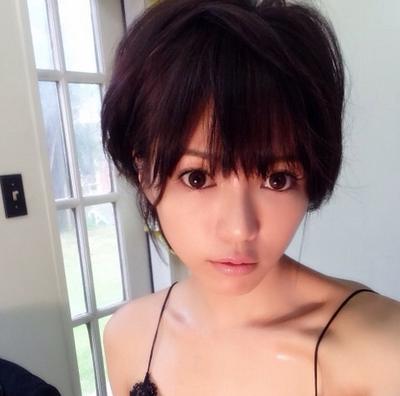 【また顔が…】釈由美子のサンタのコスプレをご覧くださいwwwwwwwwwの画像