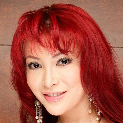 叶美香、「ファビュラス」なメーテルのコスプレ披露した結果wwwwwwwwwwwwww