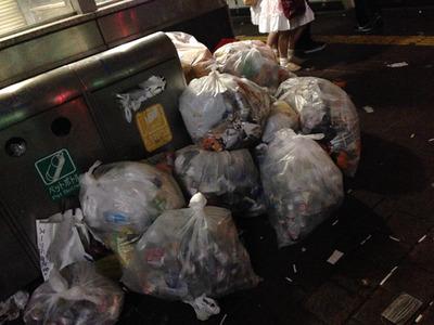 【話題】2ちゃんねらー「キンコン西野が渋谷を清掃する前に全部片付けようぜw」 ハロウィンのゴミを清掃企画