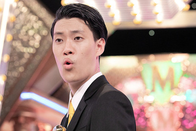 「【朗報】霜降り粗品、競馬で勝った115万円を京アニに募金」という記事の見出し画像