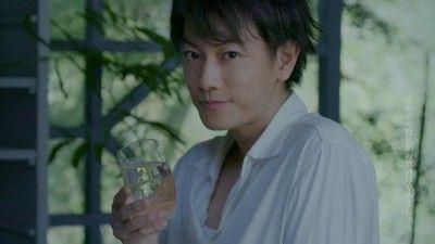 一人酒ワイ「佐藤健さんですか?」佐藤健「はい」ワイ「応援してます」佐藤健「ありがとうございます」