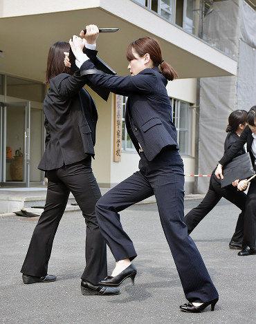 【参上】女性警官だけの「特別機動隊」結成