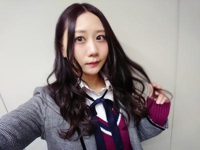 【画像あり】AKB古畑奈和さん、男デート疑惑が持ち上がるも、相手が「男装レズ風俗嬢」であるためセーフと主張