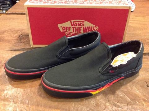 VANS Classic Slip-on FLAME WALL BLACK 入荷