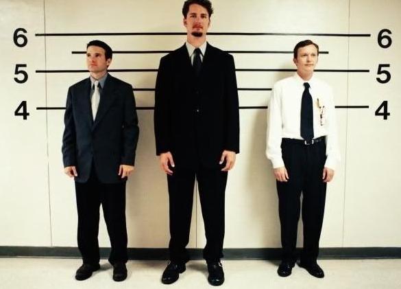 男性 低い 背 が